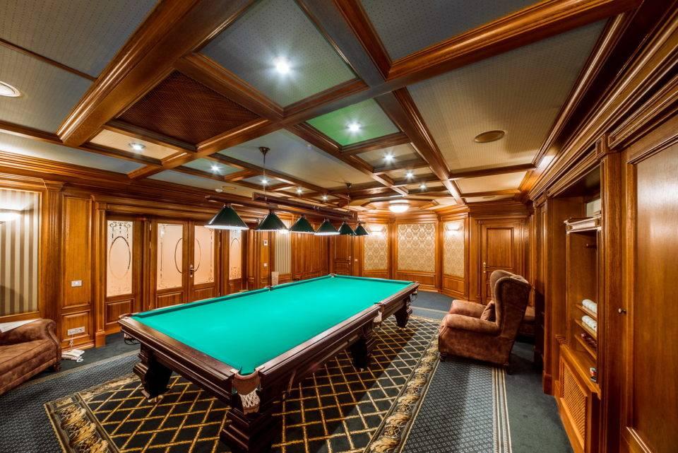 Как сделать комнату для игры в бильярд комфортабельной?